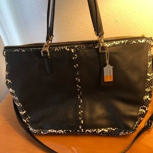 Coach black and white Leather purse